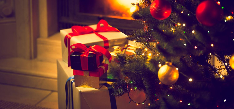 Skąd się wzięła tradycja dawania prezentów na Święta? | Porady i inspiracje WINIARY