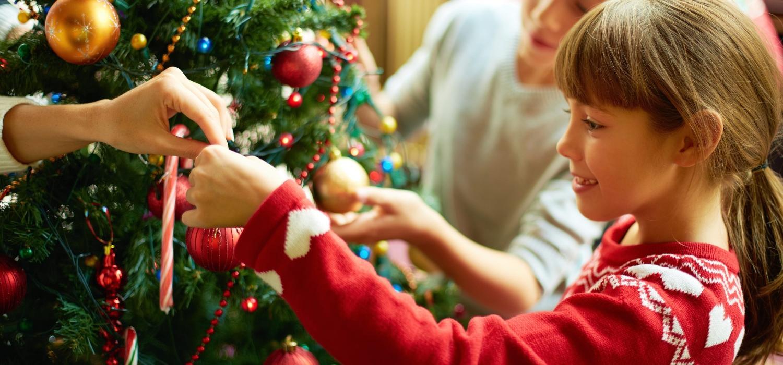 Skąd pochodzi tradycja ubierania choinki na Święta Bożego Narodzenia? | Porady i inspiracje WINIARY