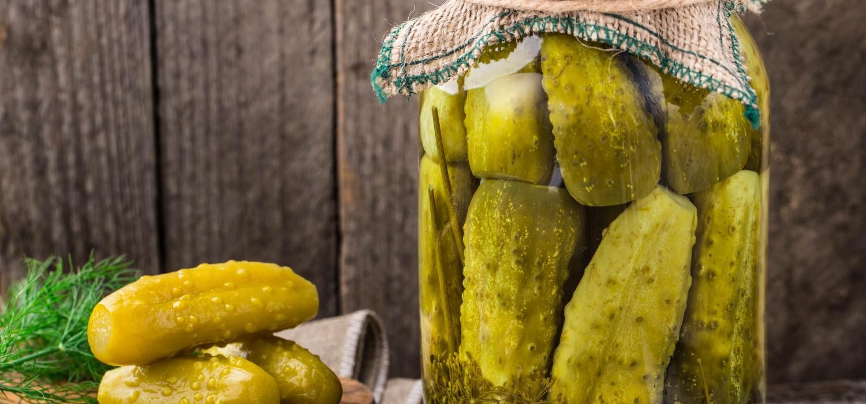 Jak zrobić zalewę do ogórków konserwowych? Oto kilka pomysłów! | Porady i inspiracje Winiary