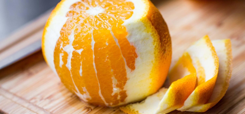 Jak obrać pomarańczę z błonek? | Porady i inspiracje WINIARY