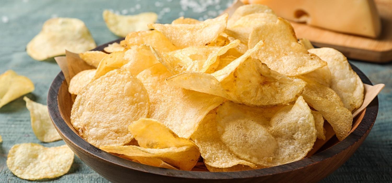 Jak zrobić domowe chipsy ziemniaczane? | Porady i inspiracje Winiary