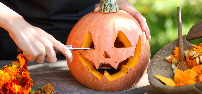 Wycinanie dyni na Halloween – jak zrobić? | Porady i inspiracje Winiary