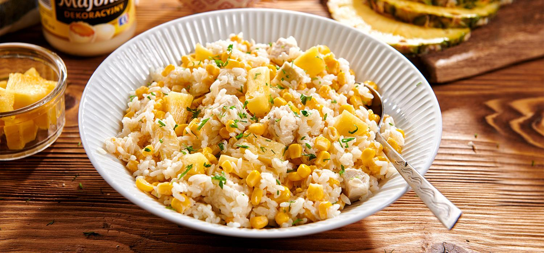 Sałatka z majonezem i kukurydzą