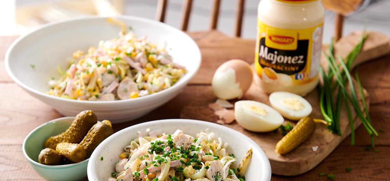 Sałatka wielkanocna z majonezem i ogórkiem